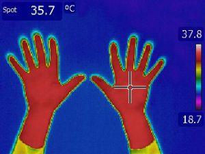 kalte_hände_beheizbare handschuhe_frieren